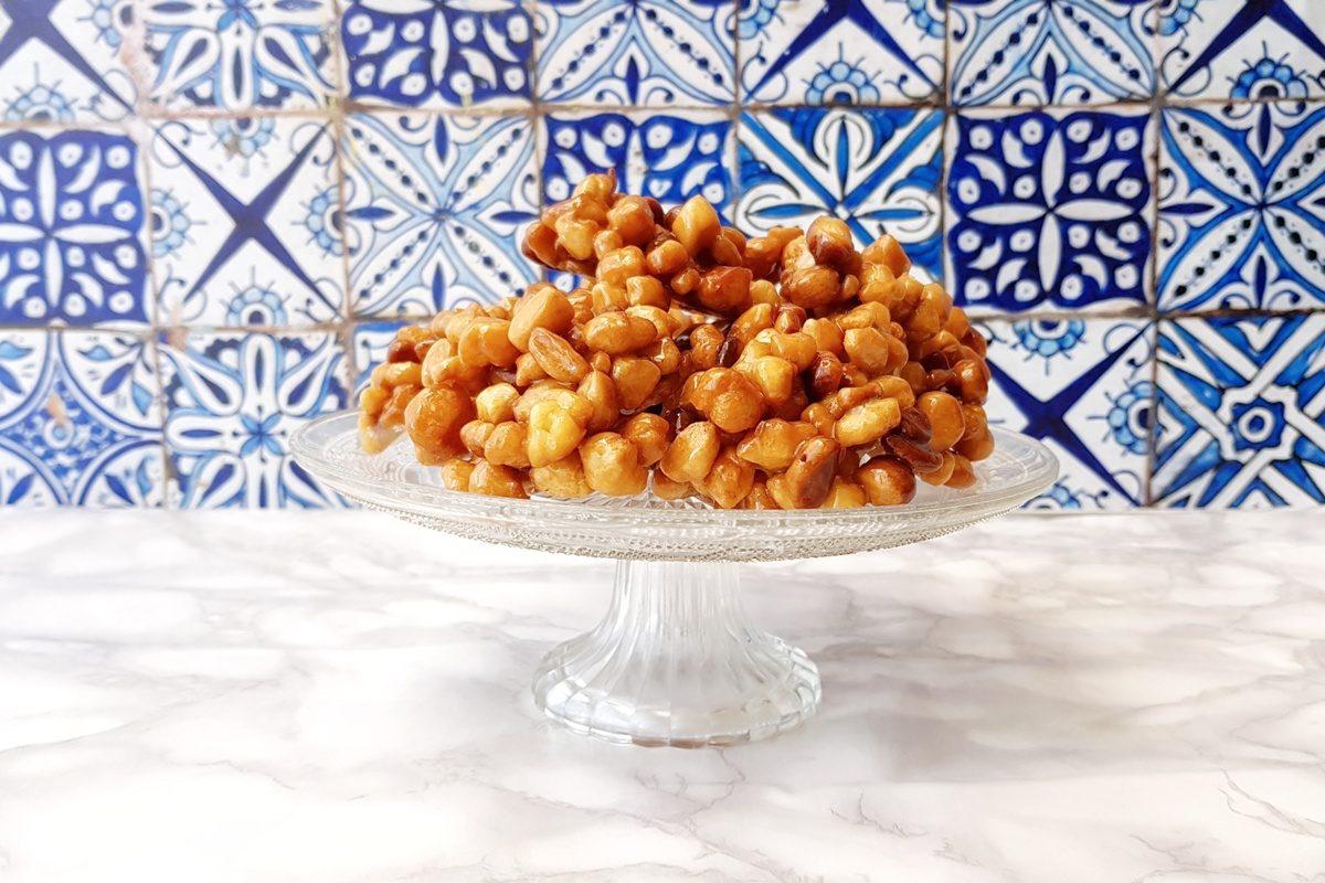 Pignolata al miele: la ricetta tradizionale di Carnevale
