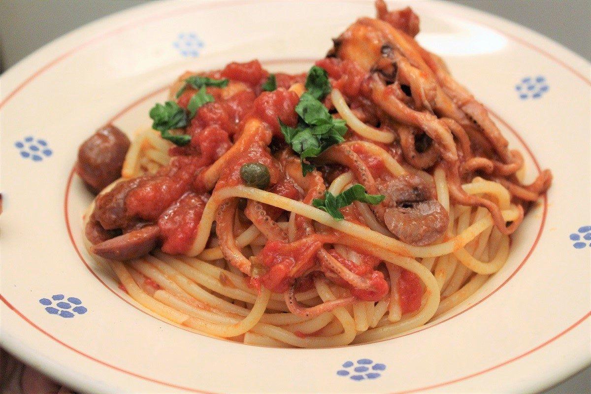 Spaghetti alla luciana: la ricetta della pasta al sugo di polipetti