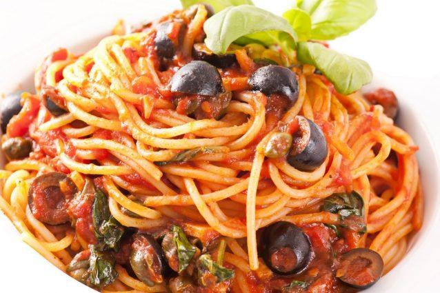spaghetti-olive-e-capperi