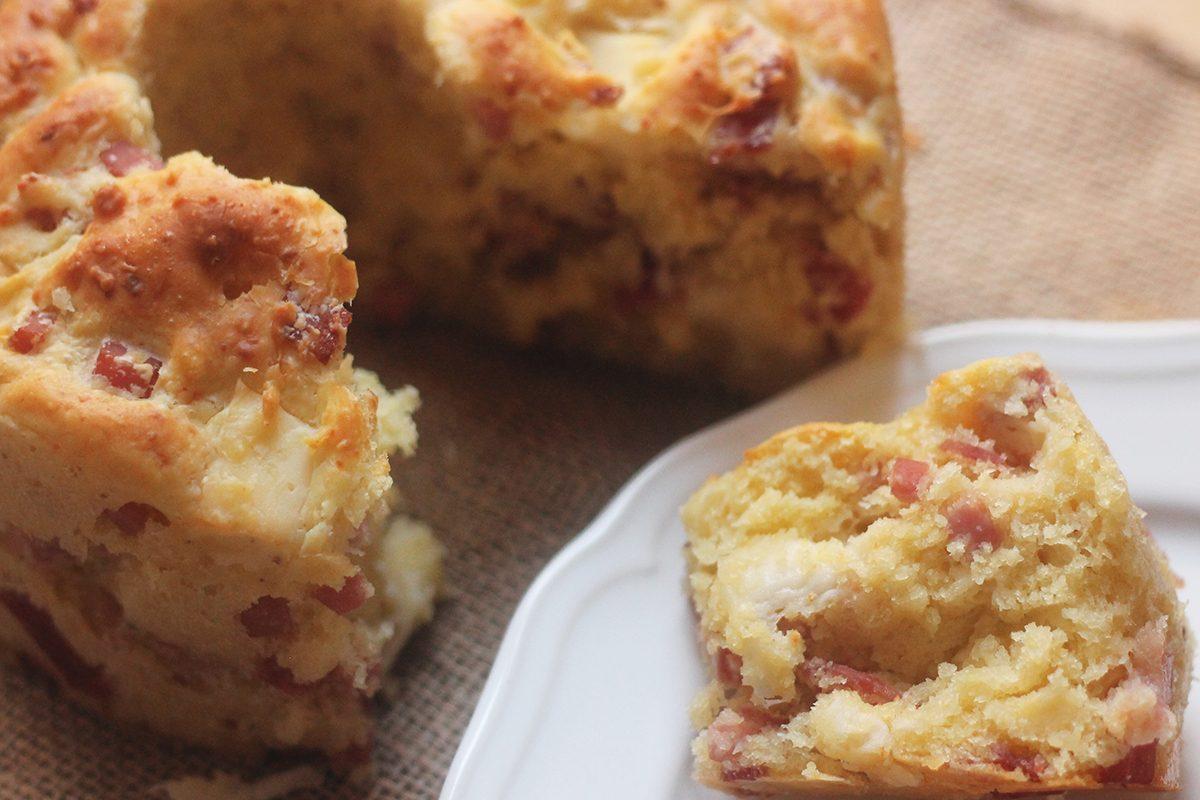 Babà salato: la ricetta della ciambella rustica della tradizione napoletana