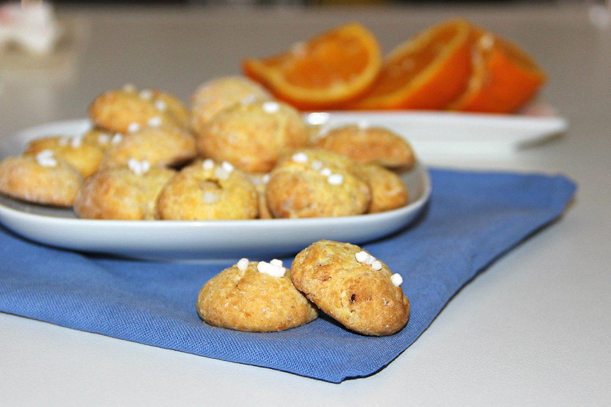 Biscotti all'arancia: morbidi e semplicissimi da fare