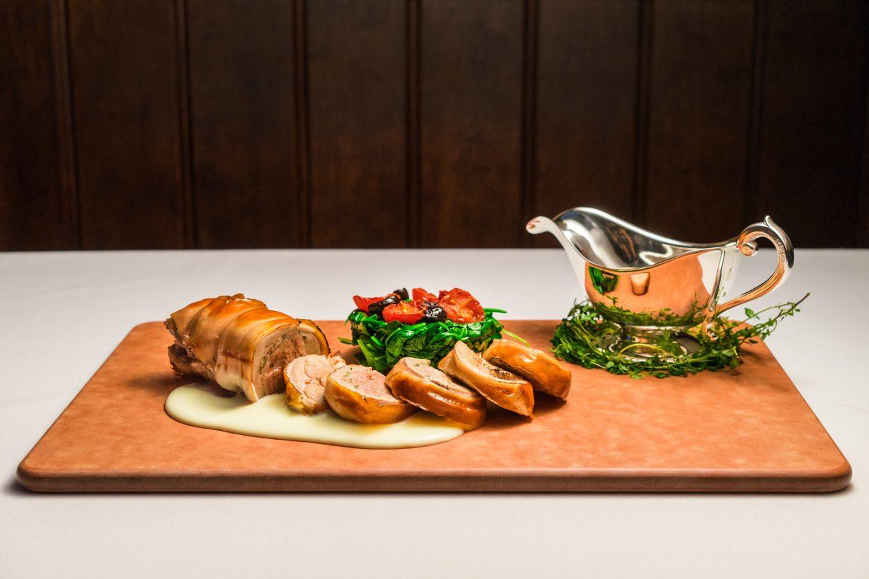 Maialino al forno: la ricetta succosa per cucinare l'arrosto