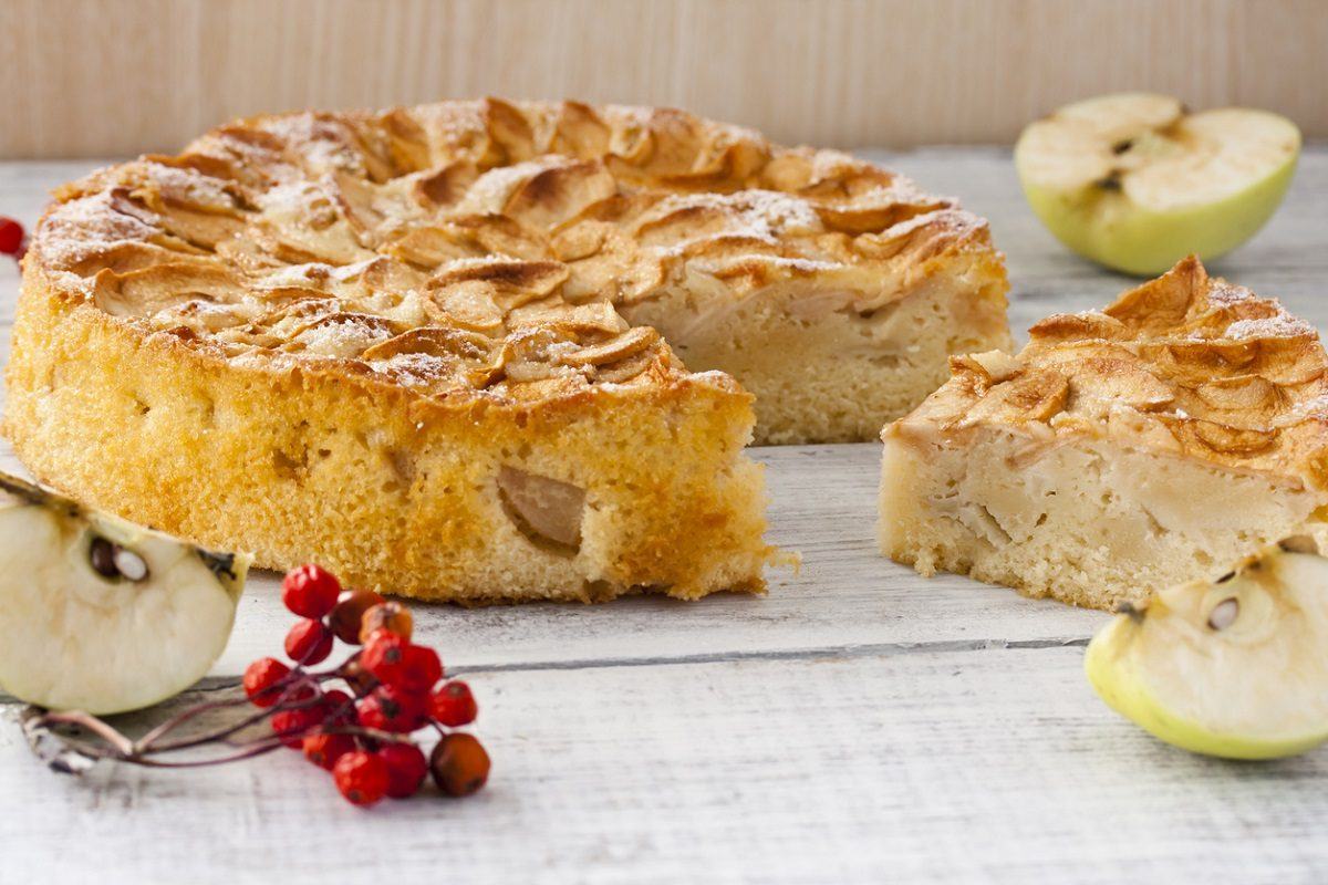 Torta di mele: la ricetta facile e soffice