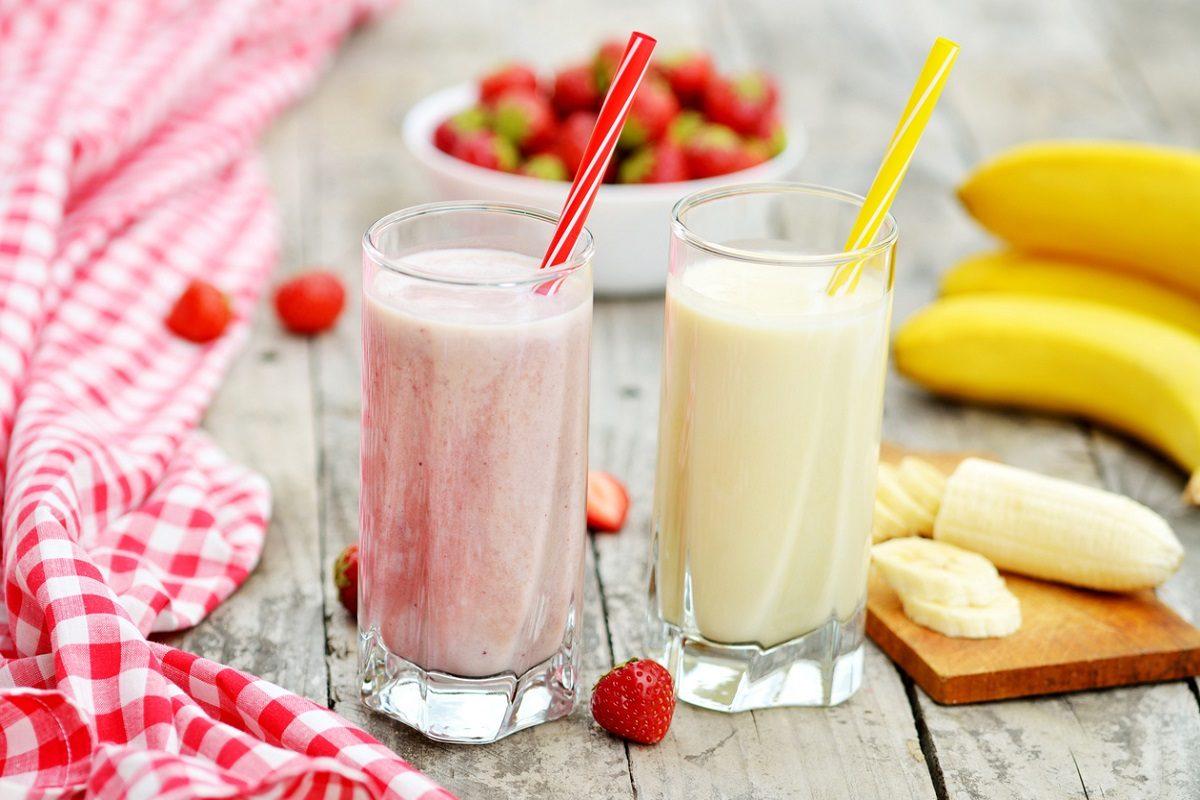 Frullato di frutta: la ricetta della bevanda estiva cremosa e dissetante