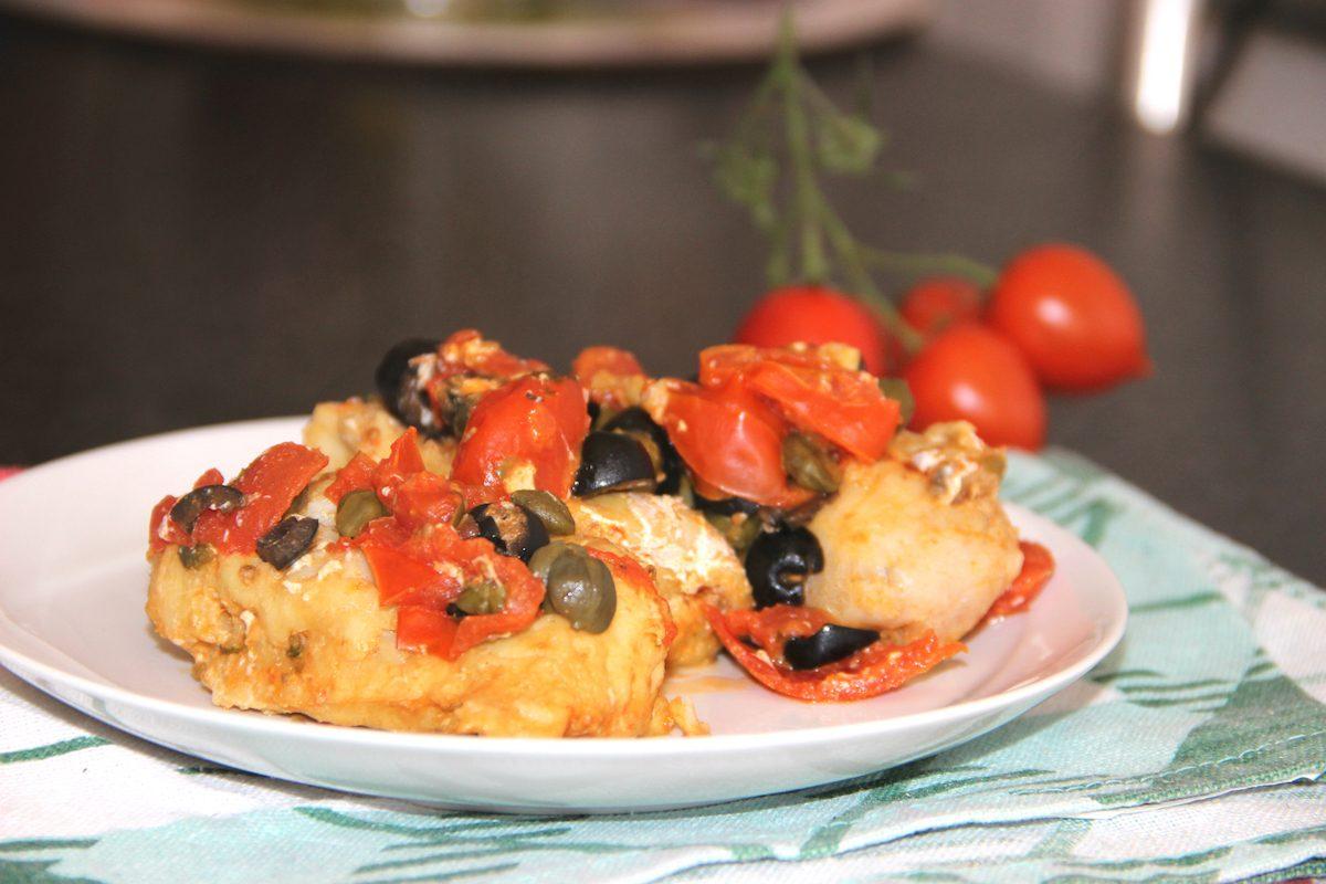 Merluzzo alla livornese: la ricetta del secondo dal gusto mediterraneo