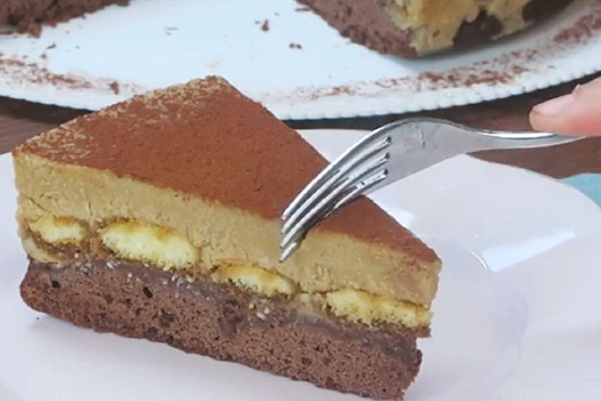 Torta brownie al tiramisù: la ricetta del dessert goloso e irresistibile