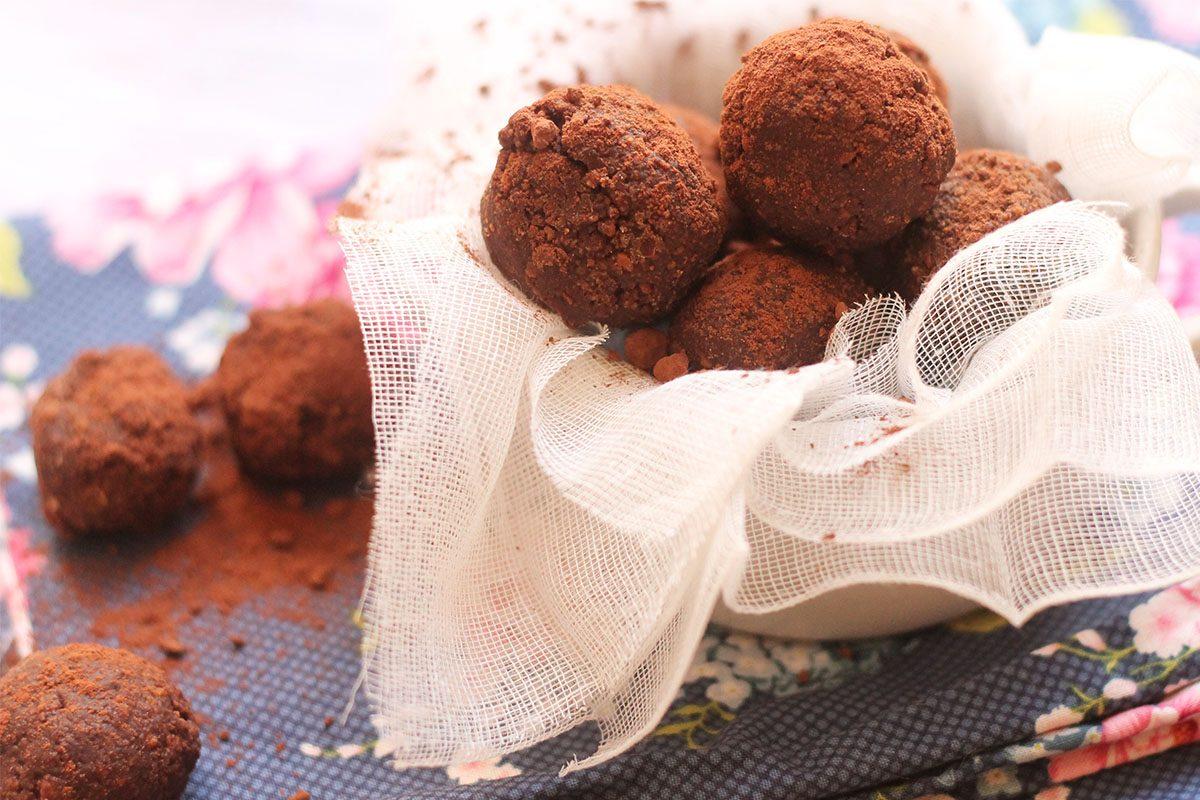 Bon bon al cioccolato: la ricetta delle palline da mangiare a merenda