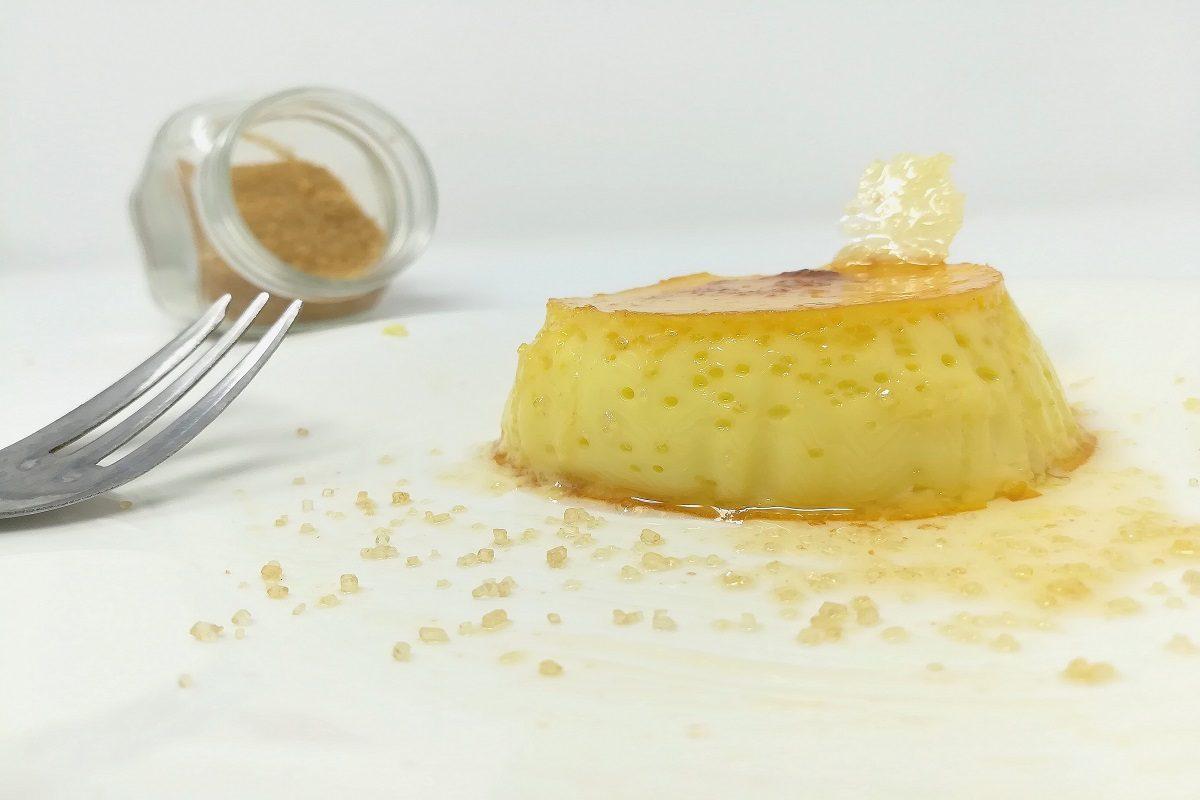 Latte portoghese: la ricetta perfetta del dolce al cucchiaio al caramello