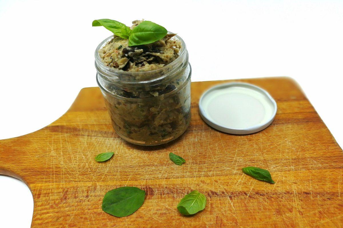 Pesto di melanzane: la ricetta facile del condimento salutare