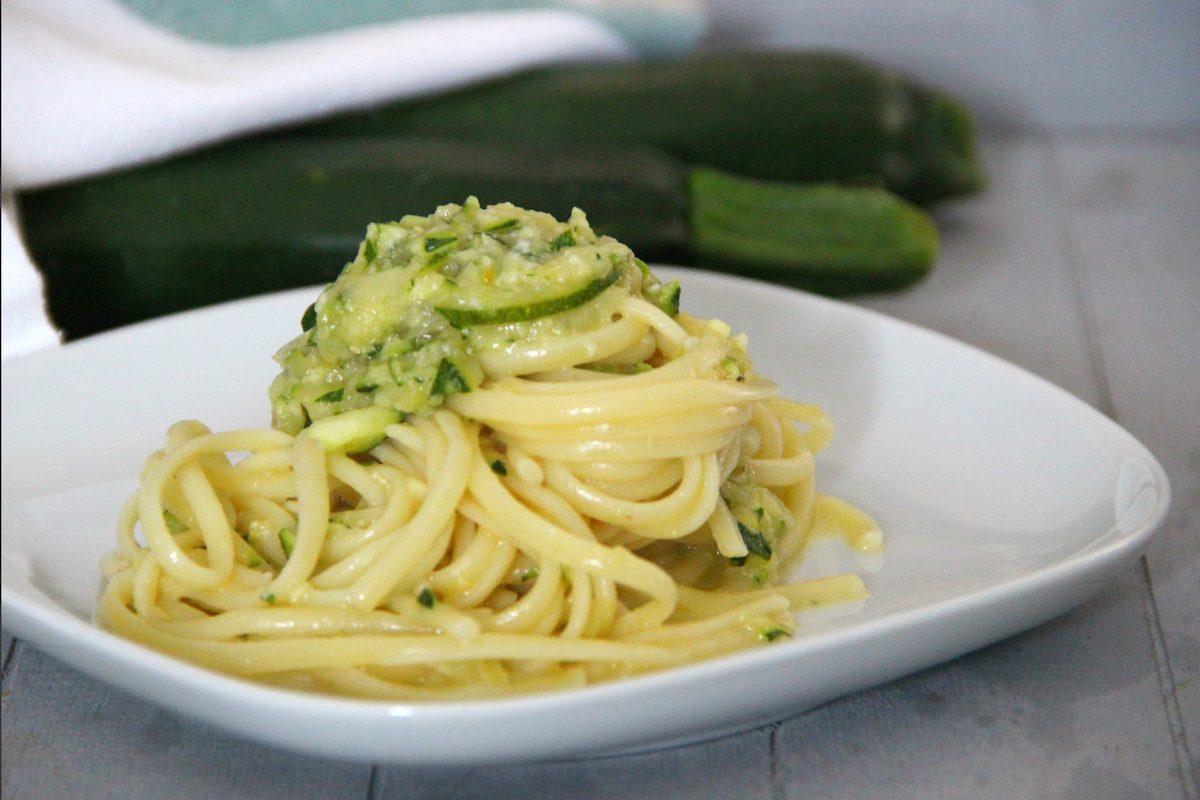 Carbonara di zucchine: la ricetta gustosa e imperdibile