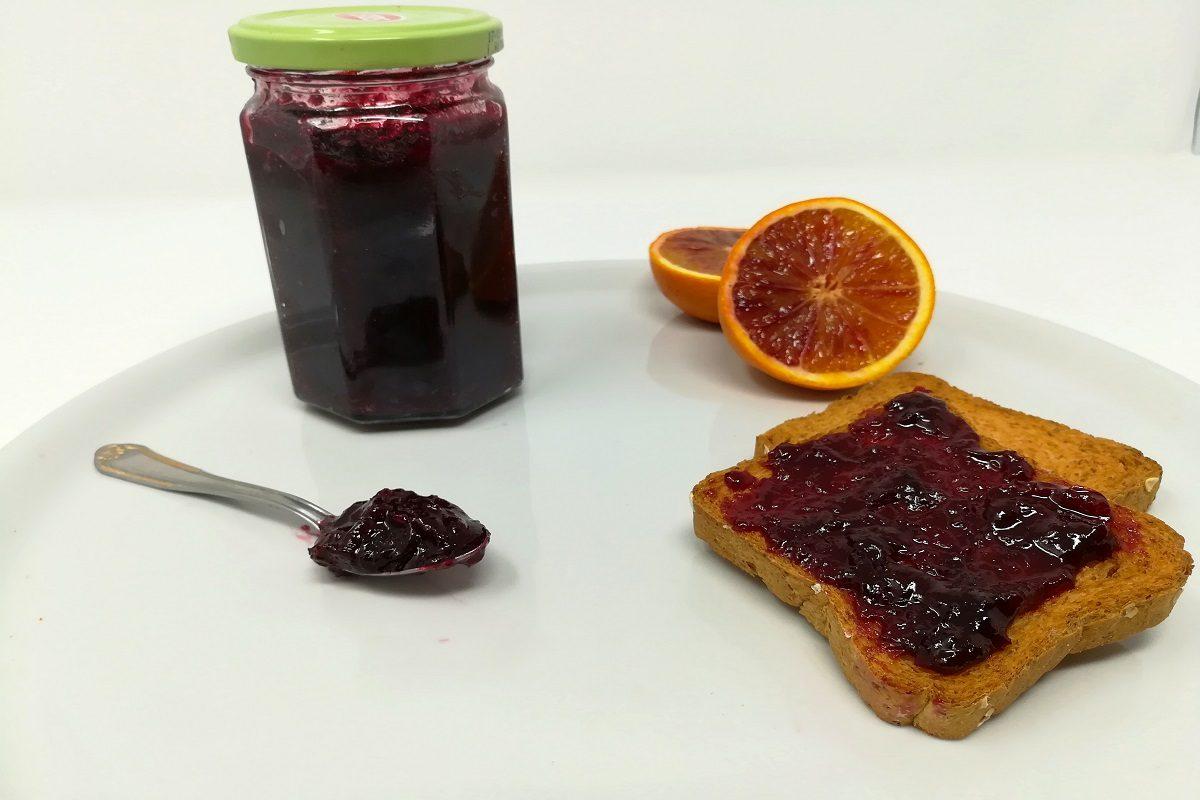 Marmellata di ciliegie: la ricetta per preparare la confettura in casa