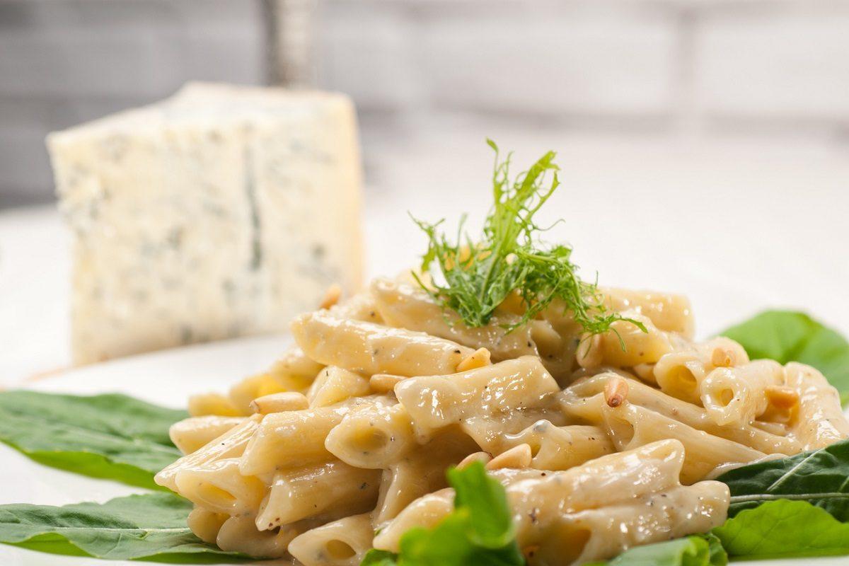 Pasta al gorgonzola: la ricetta del primo piatto cremoso dal sapore inconfondibile