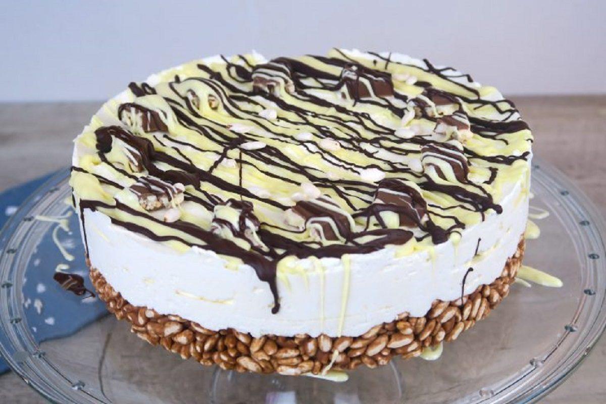 Cheesecake cioccolato e cereali: la ricetta del dolce goloso con base croccante