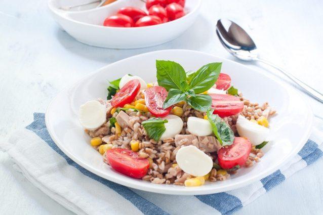 10 insalate estive gourmet per un pranzo veloce