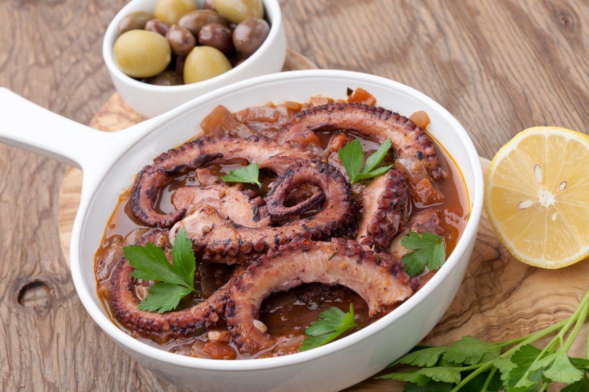 Polpo alla luciana: la ricetta del secondo piatto tipico napoletano