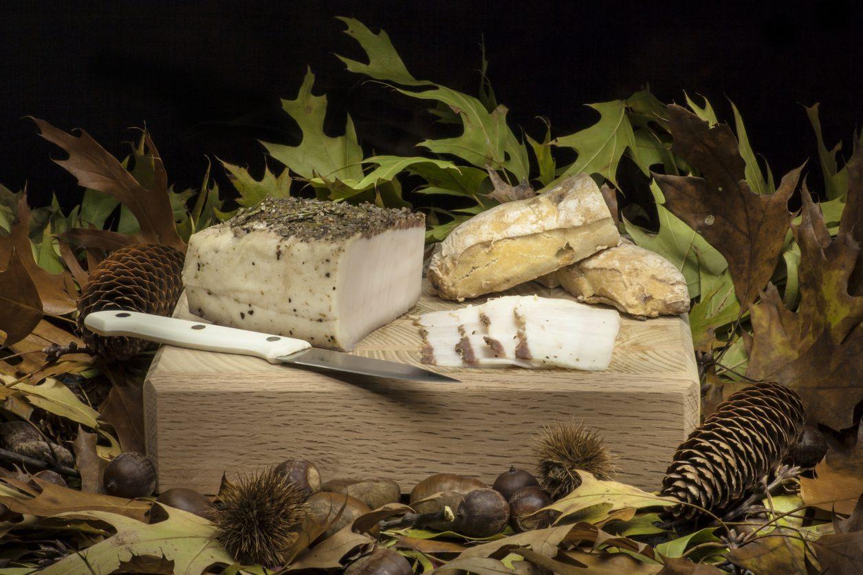 Lardo di Colonnata IGP: storia, come si prepara e come mangiarlo