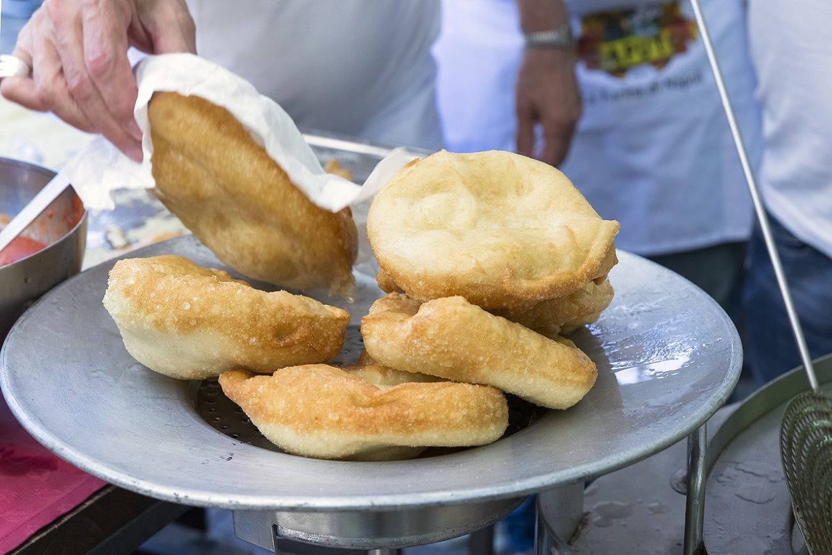 Pizzelle fritte: la ricetta delle pizzette tipiche dello street food napoletano