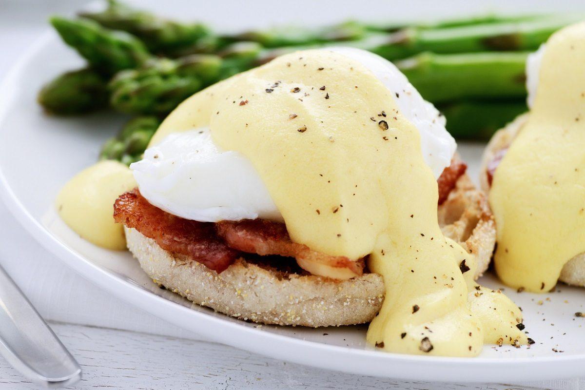 Uova alla fiorentina: la ricetta per servire le uova in modo originale e gustoso