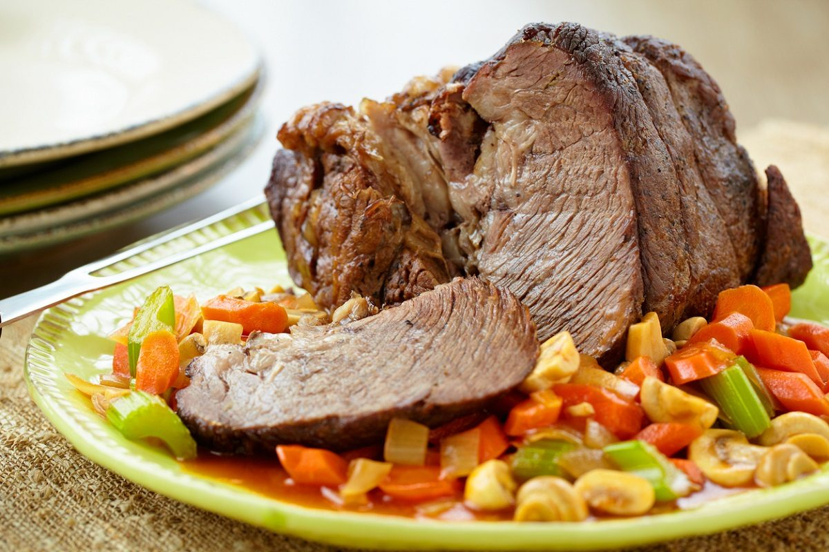Come preparare il brasato perfetto: ricetta e consigli per una carne morbida e succulenta