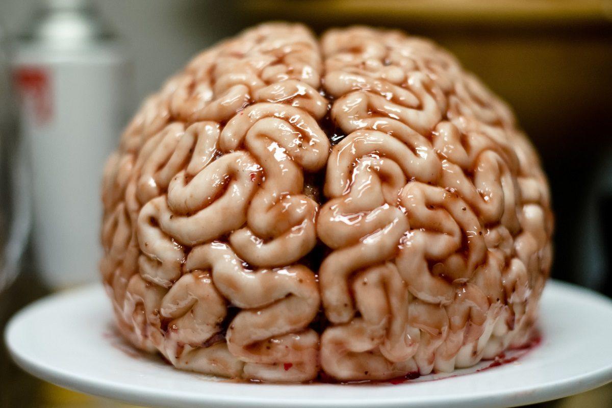 Cervello di panna cotta: il dolce di Halloween alla salsa di melograno