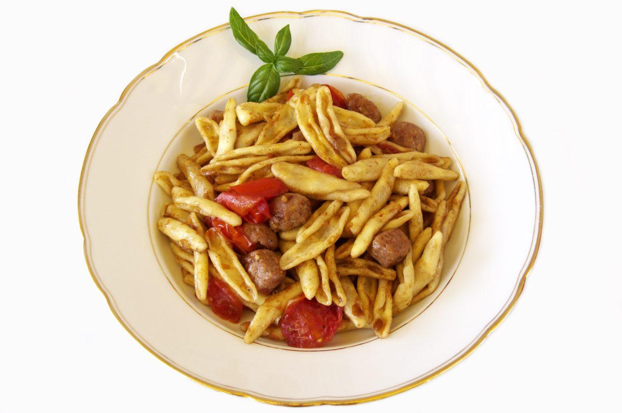 Strascinati: la ricetta facile e veloce dell'inconfondibile pasta lucana