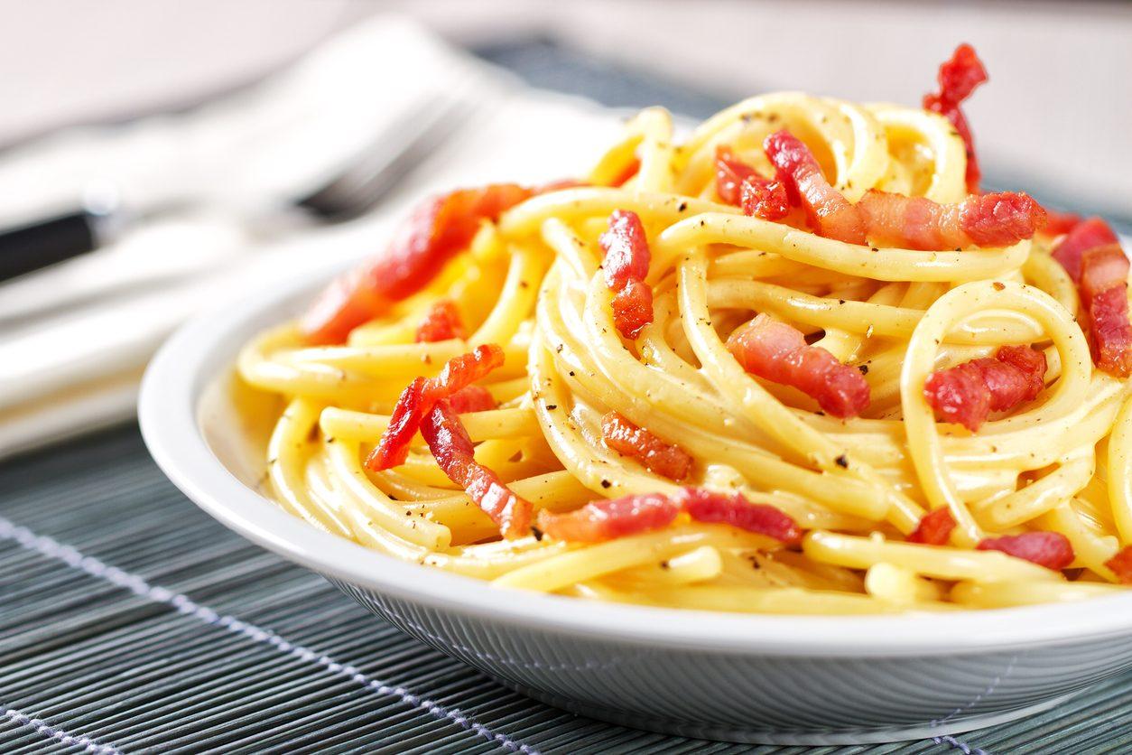 Finta carbonara: la ricetta del primo piatto senza uova leggero e gustoso