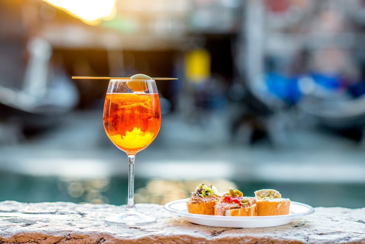 Spritz analcolico: la ricetta per il cocktail fresco senza alcol