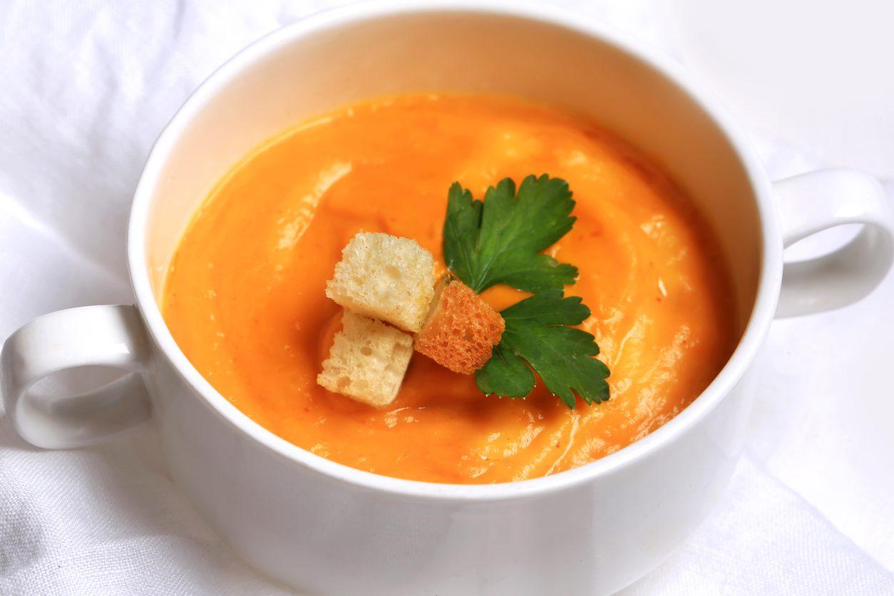 Vellutata di zucca: la ricetta delicata facile da preparare