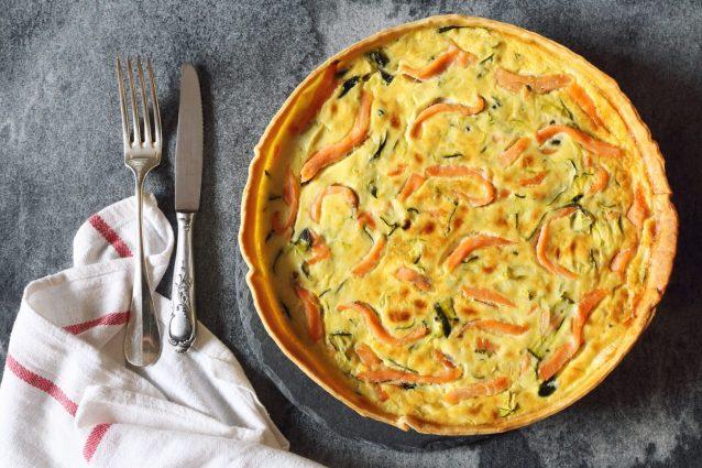Ricetta Quiche Salmone E Zucchine.Torta Salata Salmone E Zucchine La Ricetta Raffinata