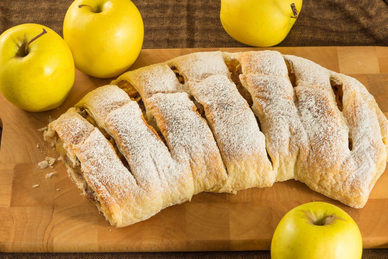 Strudel di mele: la ricetta del dolce alla cannella tipico del Sudtirol