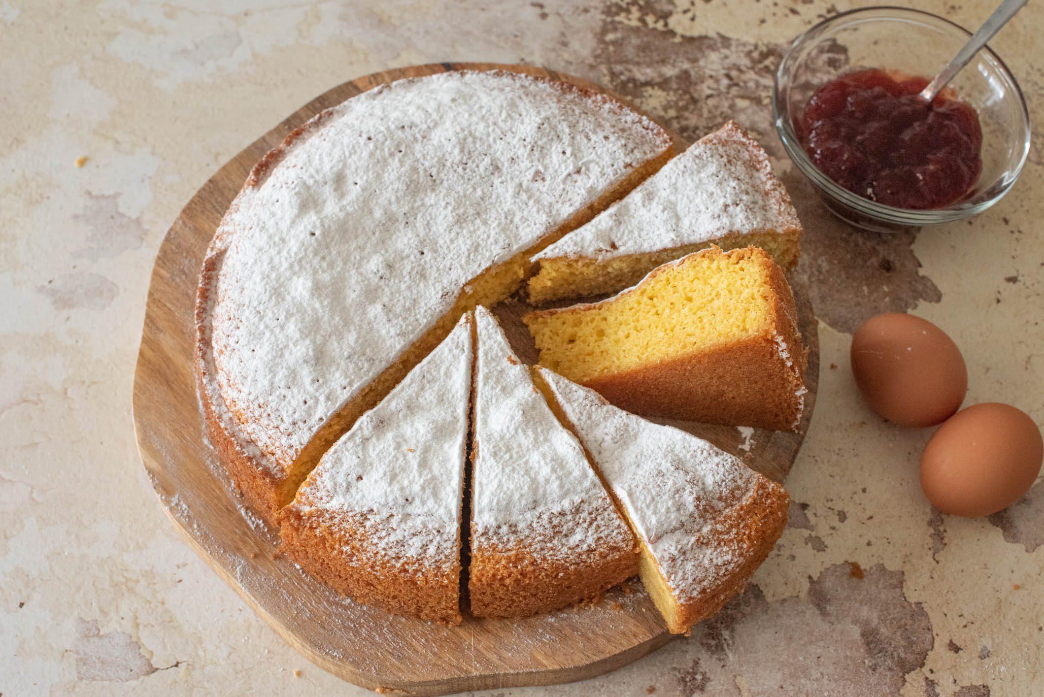 Torta quattro quarti: la ricetta della torta semplice e soffice