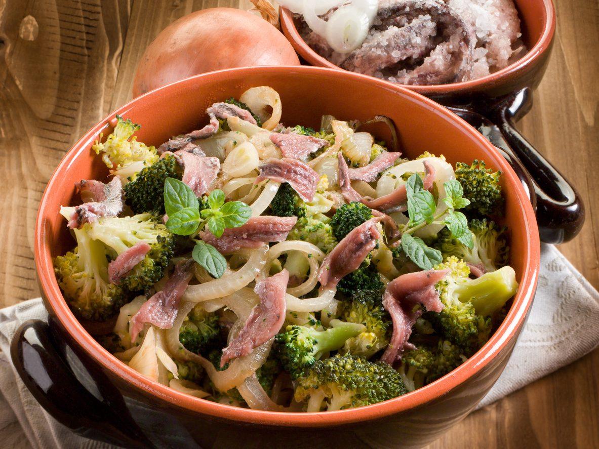 Broccoli affogati: la ricetta del tipico contorno siciliano ricco e gustoso