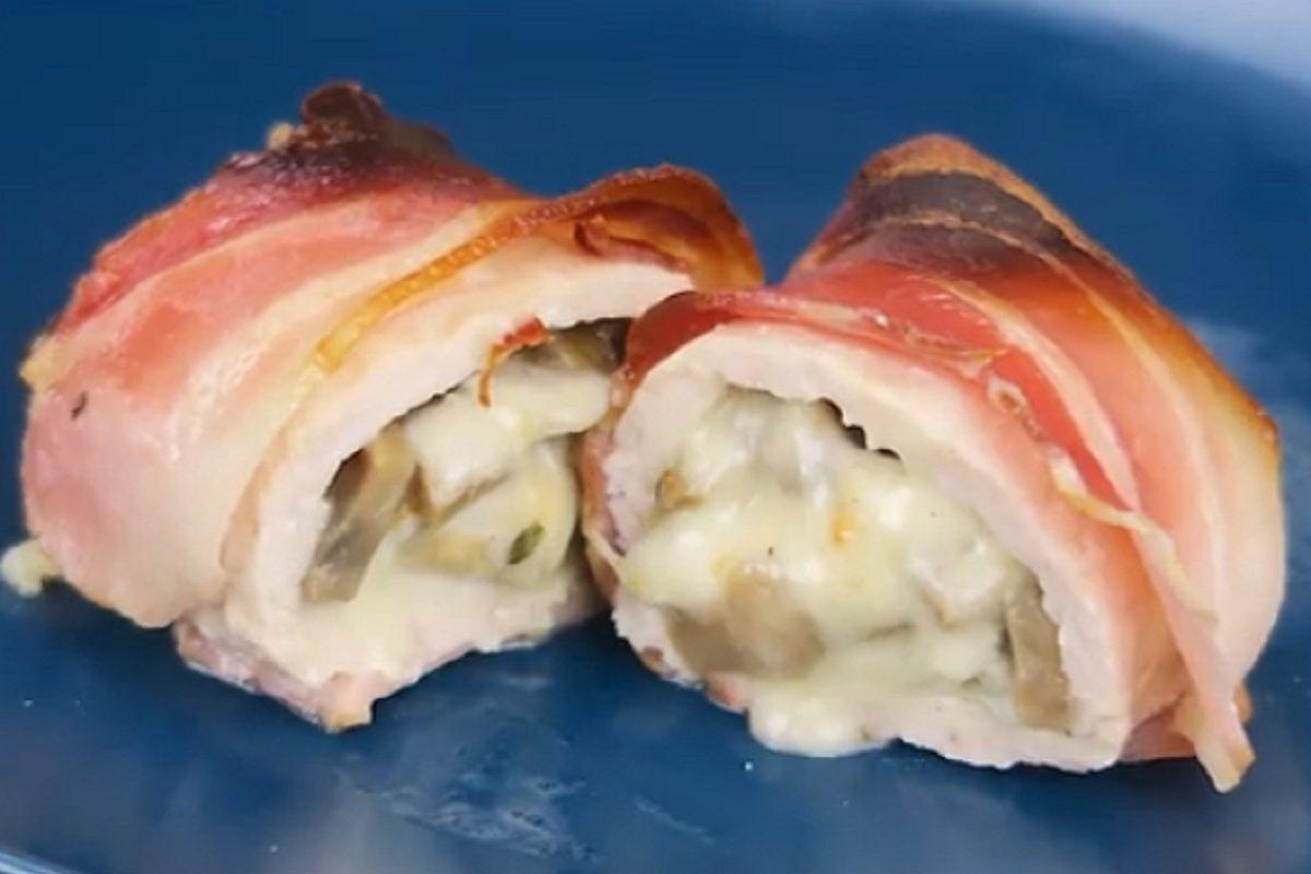 Involtini di pollo e pancetta: la ricetta del secondo piatto veloce e gustoso