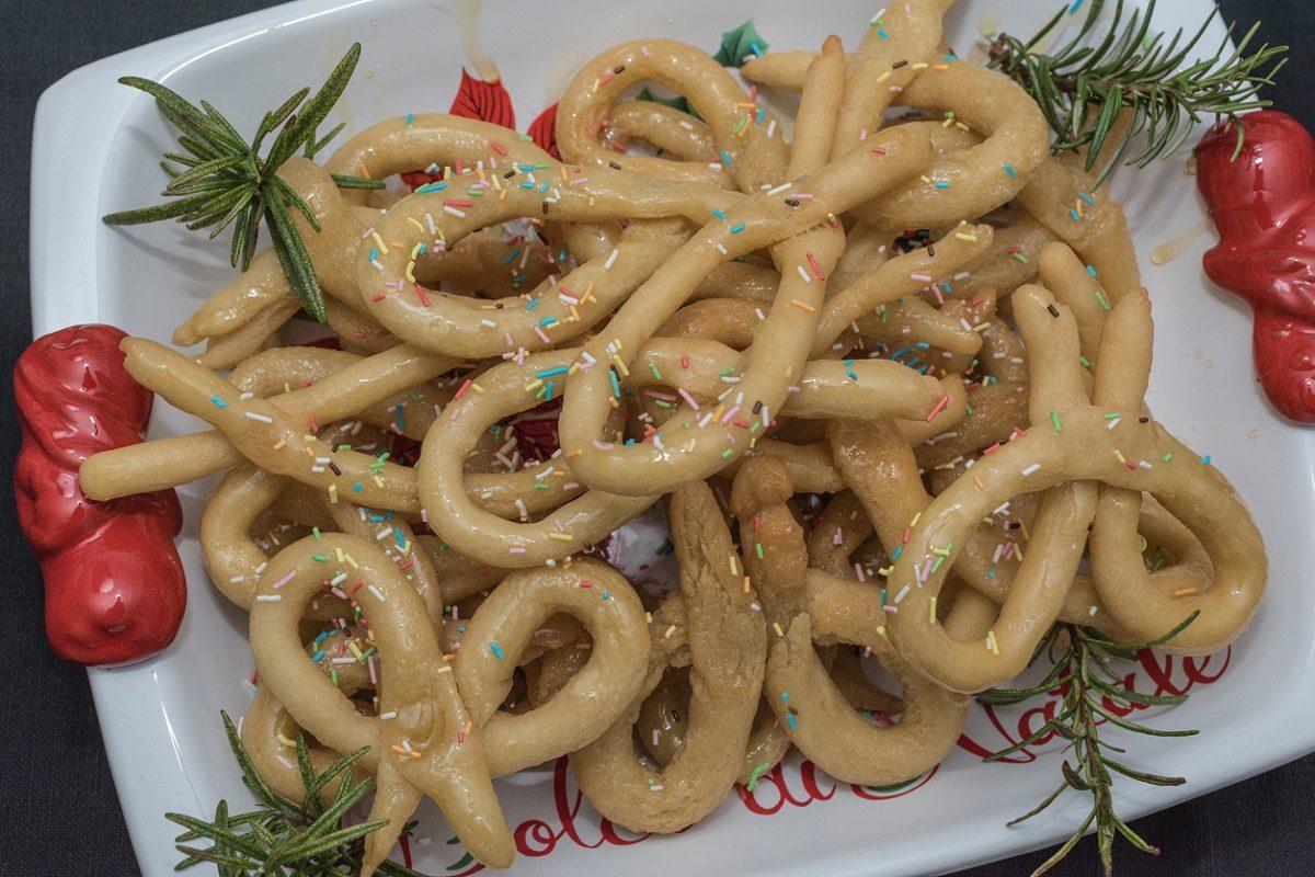 Scauratielli cilentani: la ricetta dei dolcetti della Vigilia di Natale tipici del Cilento
