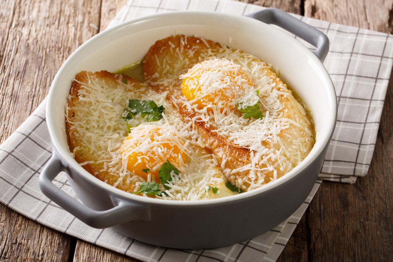 Zuppa alla pavese: la ricetta del piatto semplice e veloce di origine contadina