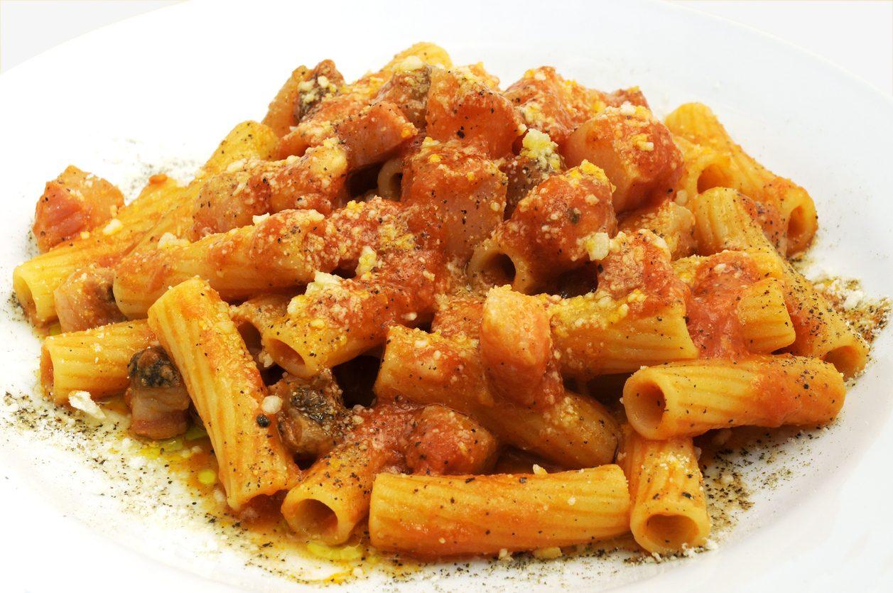Rigatoni all'amatriciana: la ricetta del primo piatto tradizionale