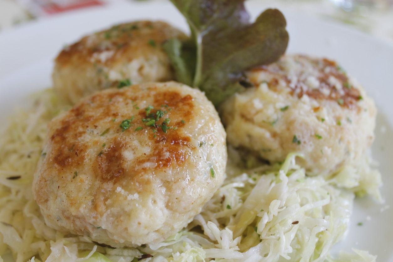 Canederli al formaggio: la ricetta della cucina tipica tirolese dell'Alto Adige