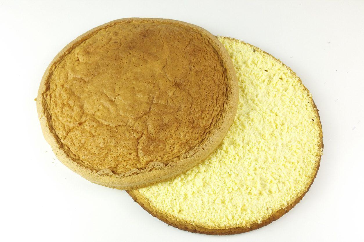 Come fare la bagna per le torte: le ricette e i trucchi per prepararla