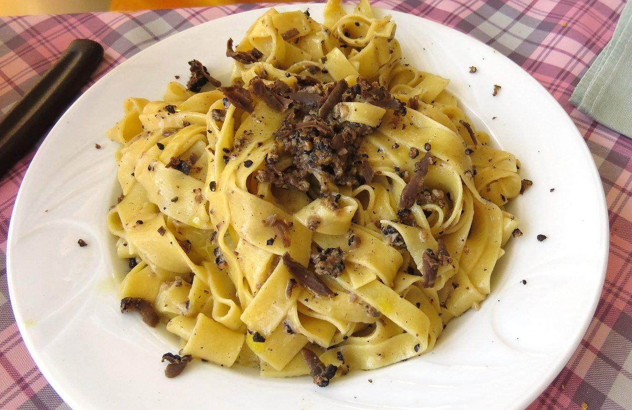 Fettuccine al tartufo: la ricetta del primo gustoso e profumato