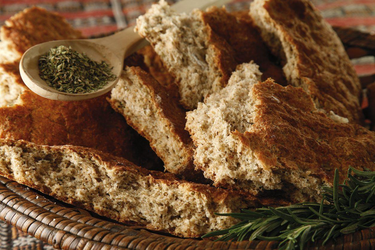 Focaccia integrale: la ricetta facile per prepararla soffice e fragrante