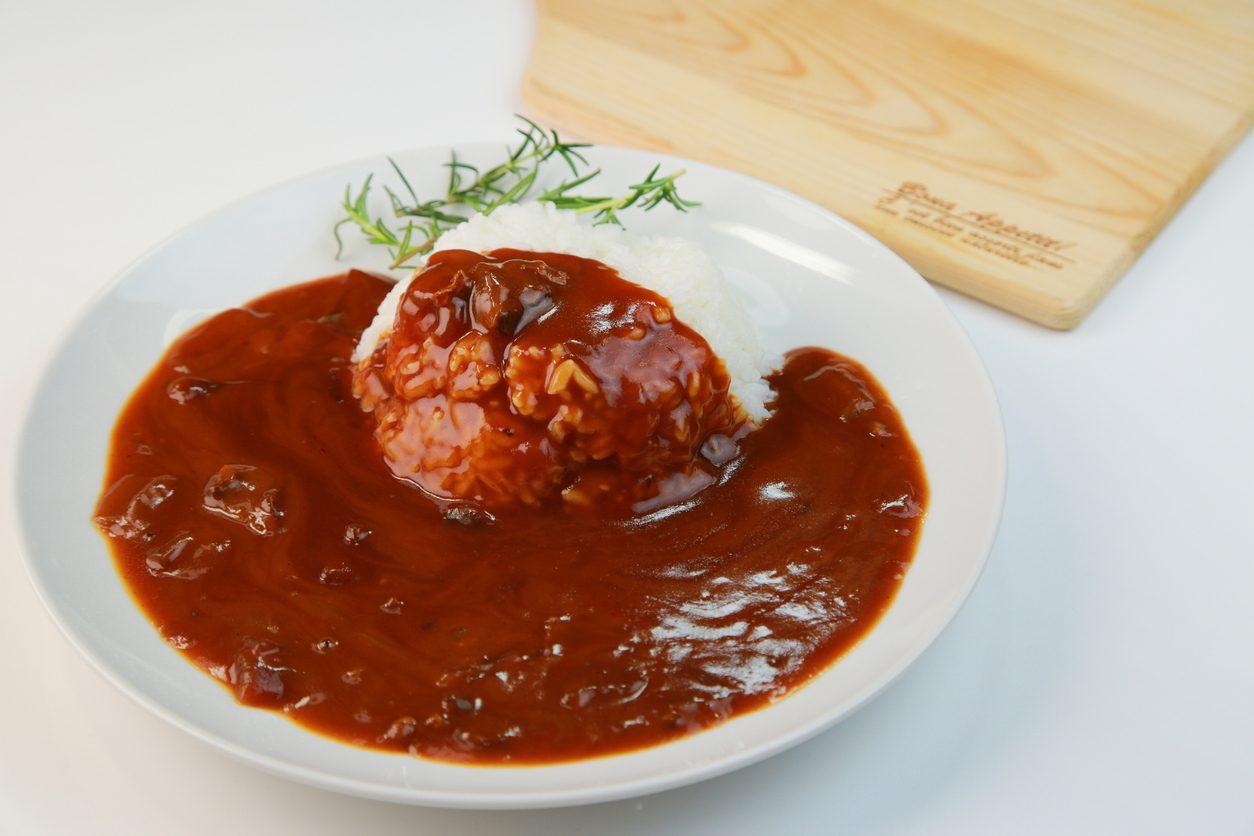 Salsa spagnola: la ricetta della salsa da accompagnare alle patate