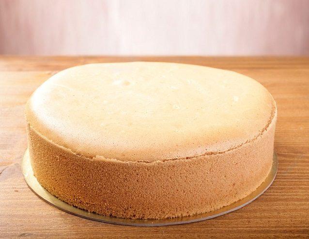 Pan di Spagna senza glutine: la ricetta facile per prepararlo morbido