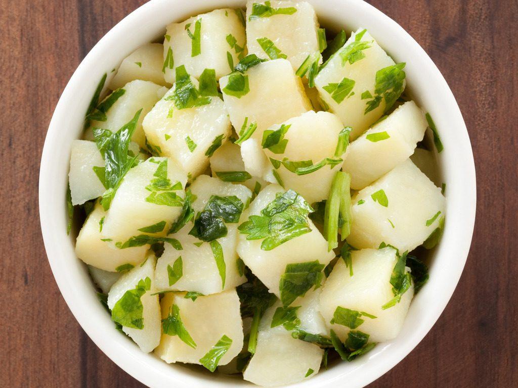 Patate prezzemolate: la ricetta del contorno facilissimo