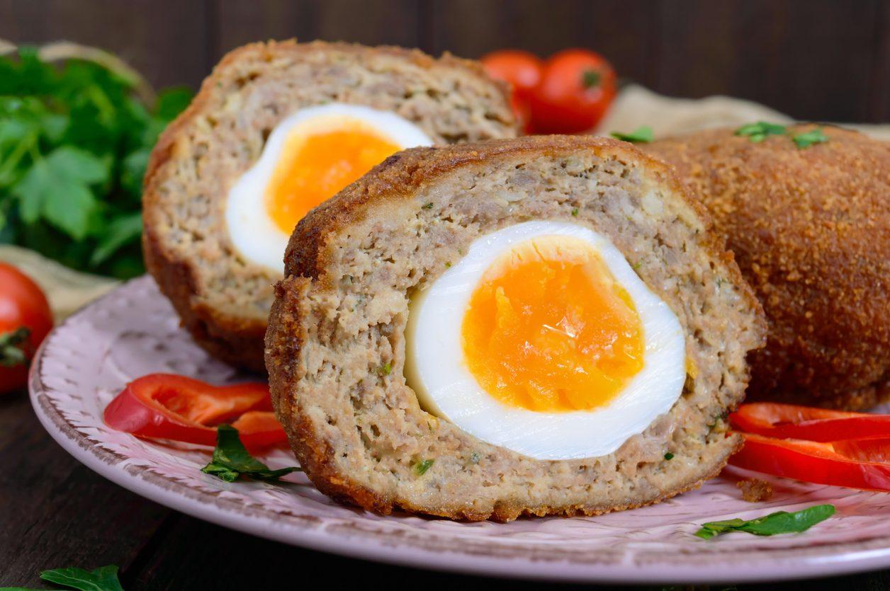 Polpettone all'uovo sodo: la ricetta del secondo saporito