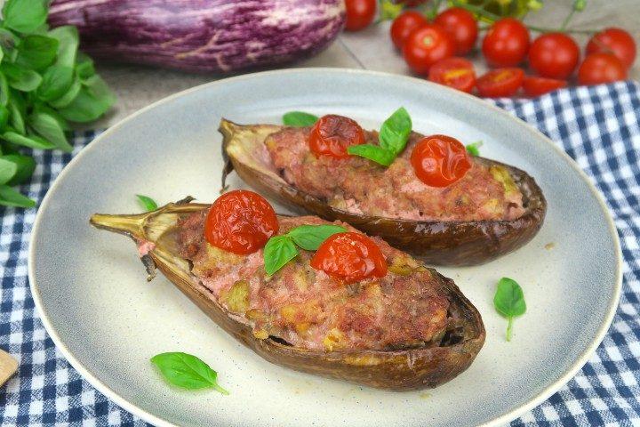 Melanzane ripiene: la ricetta con il ripieno di sugo e carne