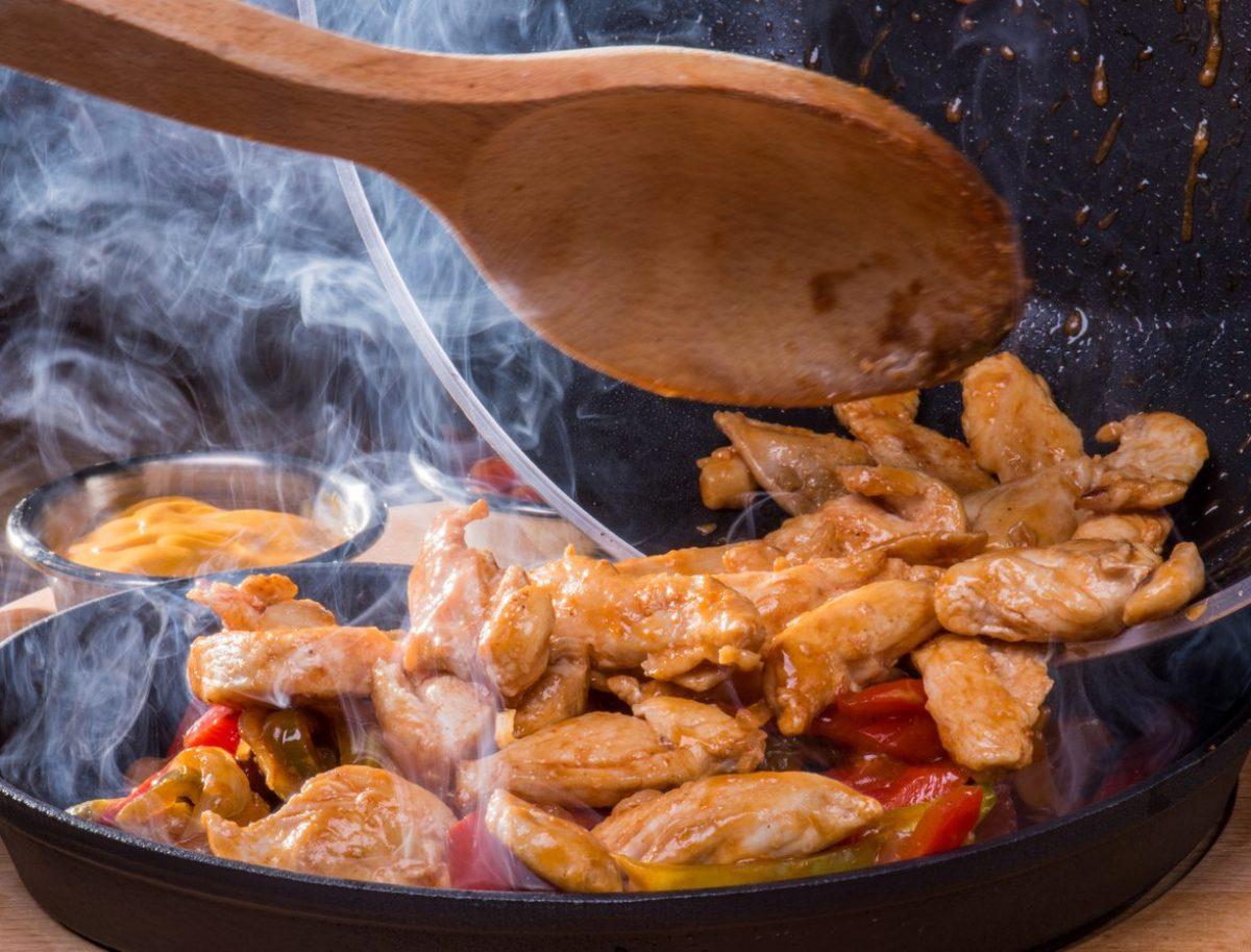 Pollo In Padella La Ricetta Del Secondo Leggero