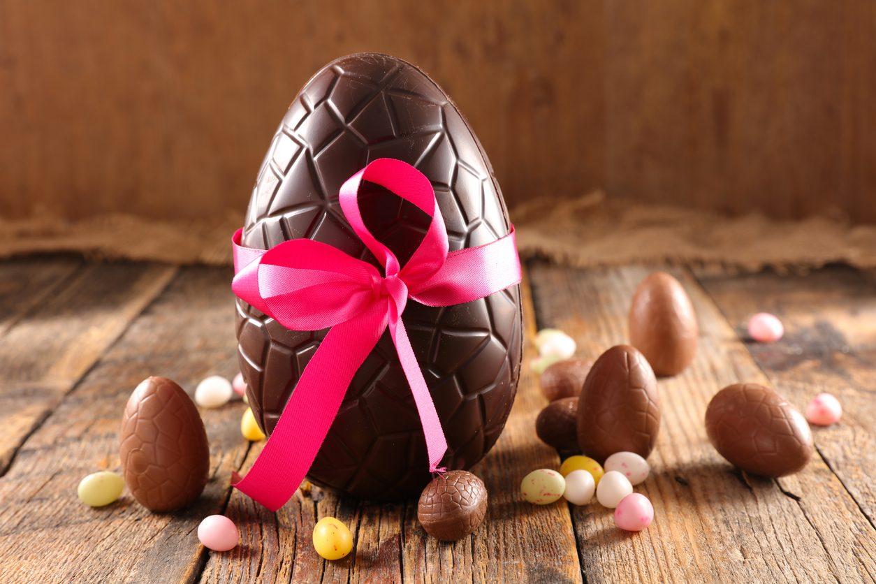 Uovo al cioccolato fondente: la ricetta perfetta per prepararlo a casa