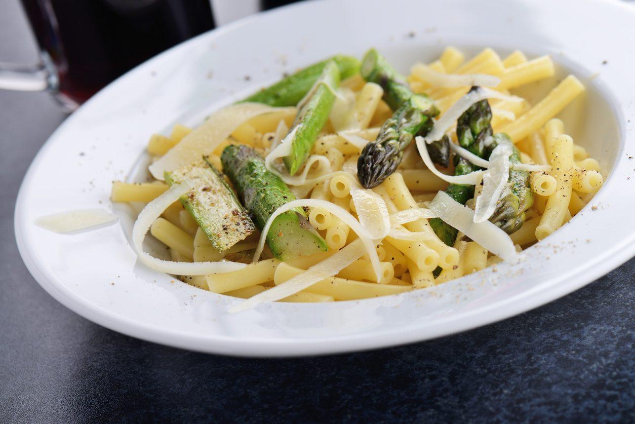 Pasta agli asparagi: la ricetta del primo piatto primaverile semplice e gustoso
