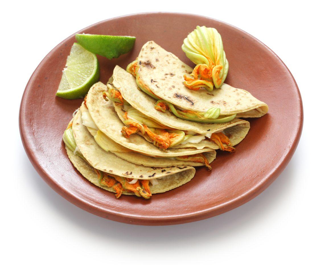 Quesadillas ai fiori di zucca: la ricetta dello spuntino messicano