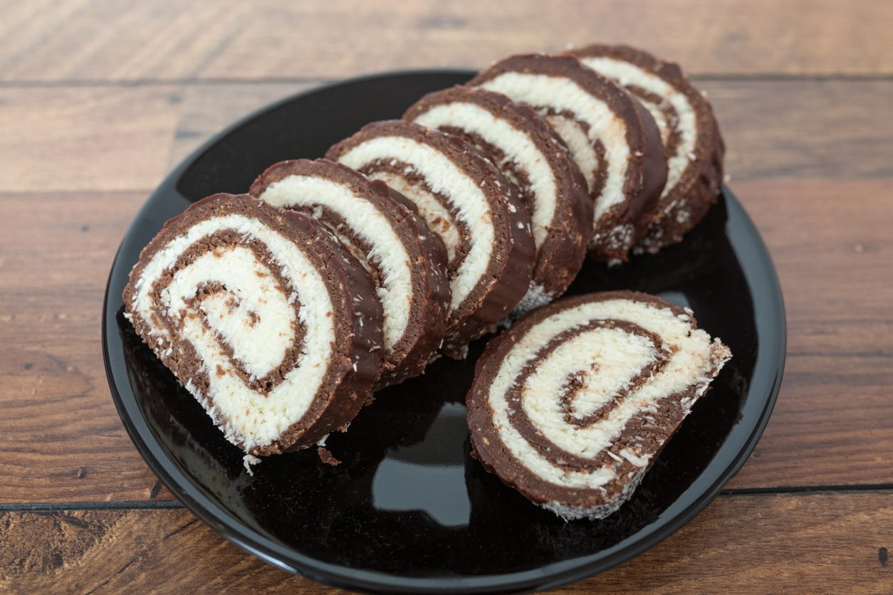 Rotolo di cocco e nutella: la ricetta del dolce da fare in pochi minuti
